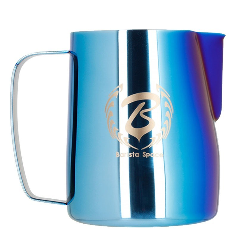 Milk Jug/ Pitcher BARISTA SPACE - ALBASTRU KAMELEON, 600ml - Latiera Metal